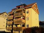 4 Zimmer Wohnung im EG Fläche: 80m² BGF Nettomiete: CHF 1'320.00 Nebenkosten: CHF 180.00 ab 1. August 2016 Langmattstr. 20, 5015 Erlinsbach